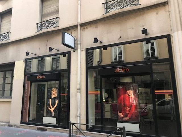 vitrine salon coiffure Camille Albane Lyon 2 rue Sala