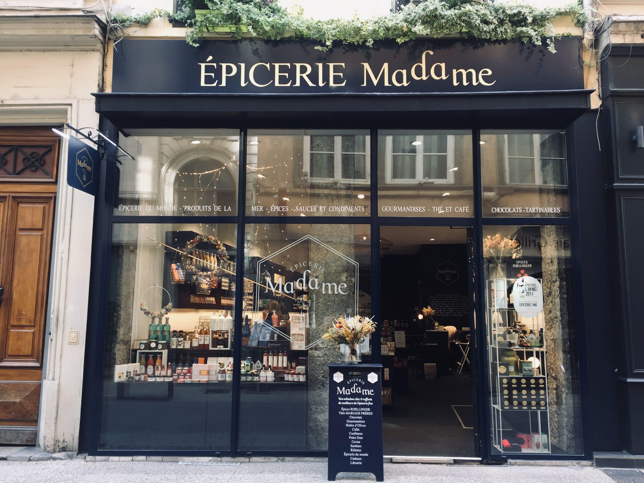 Vitrine Épicerie Madame