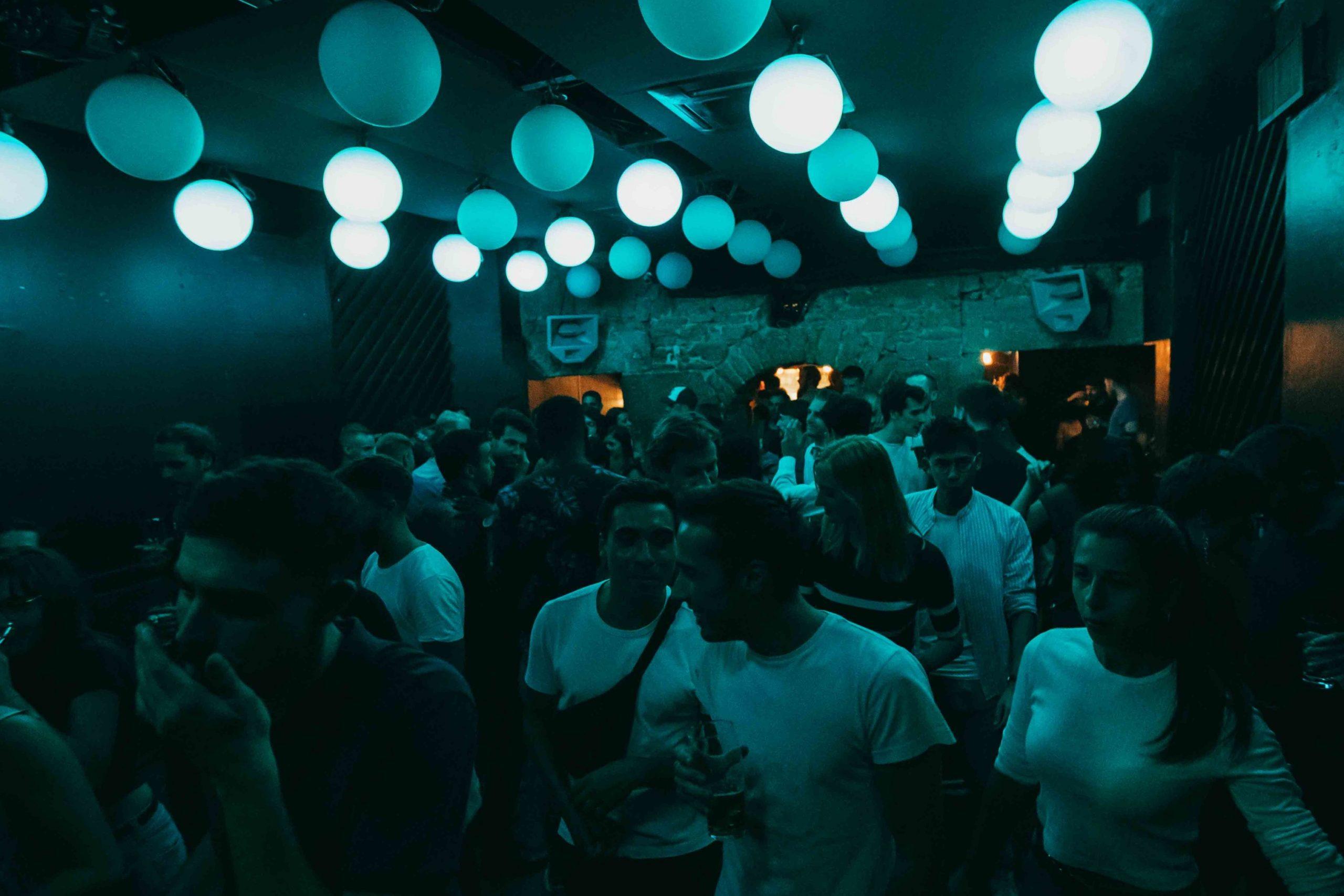 ambiance bar Groom Lyon 1