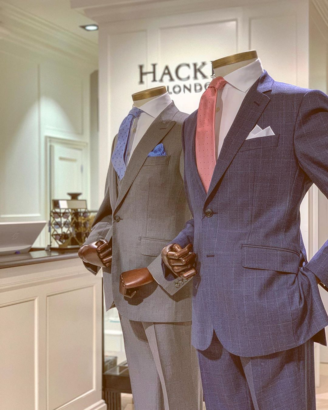Costumes Hackett London