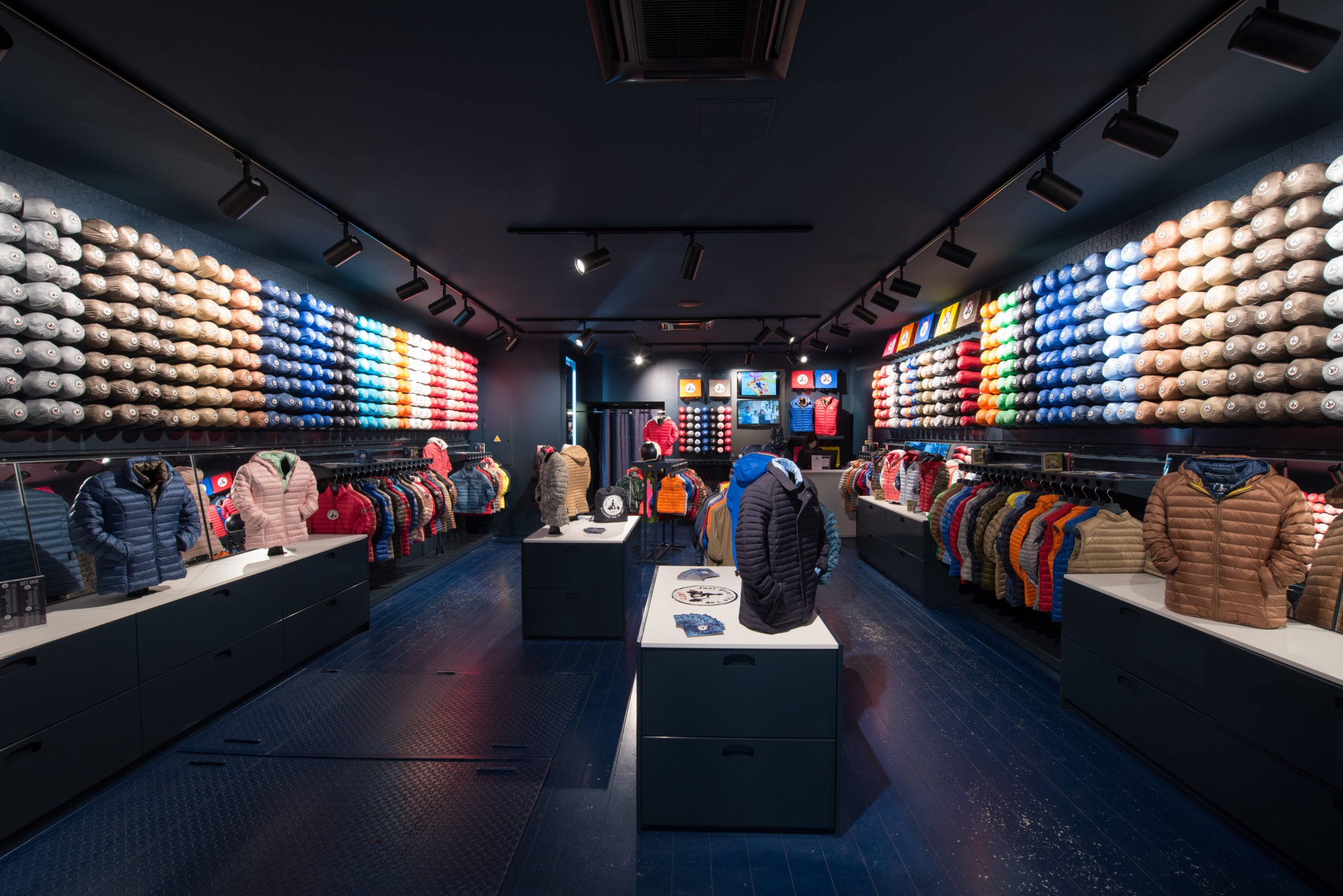 intérieur boutique JOTT Lyon 2