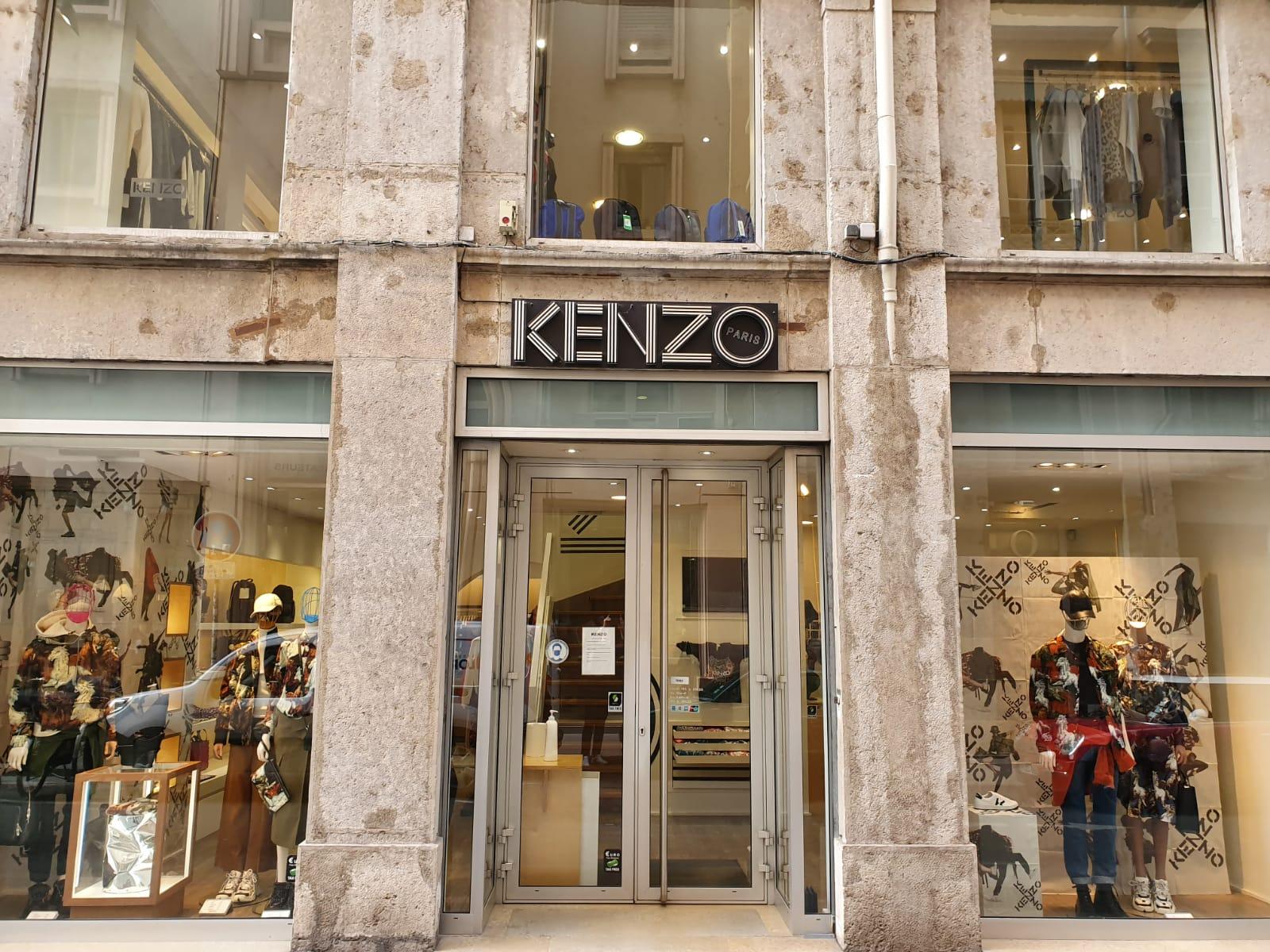 vitrine boutique Kenzo Lyon 2