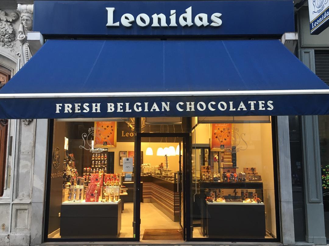 vitrine boutique léonidas lyon 1er