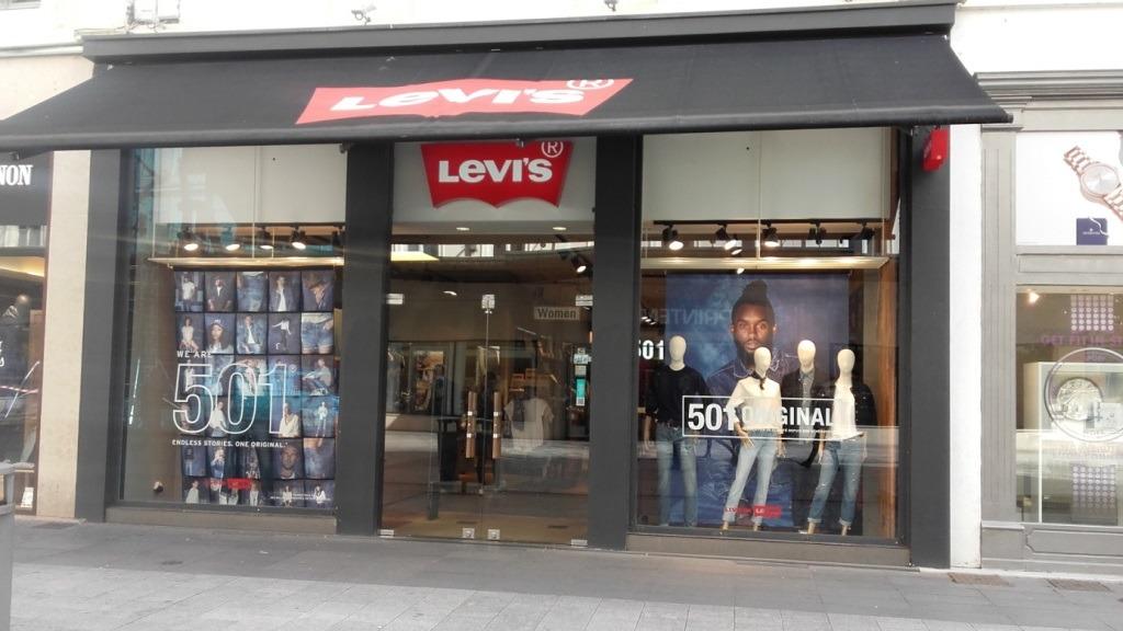 vitrine boutique Levis Lyon République