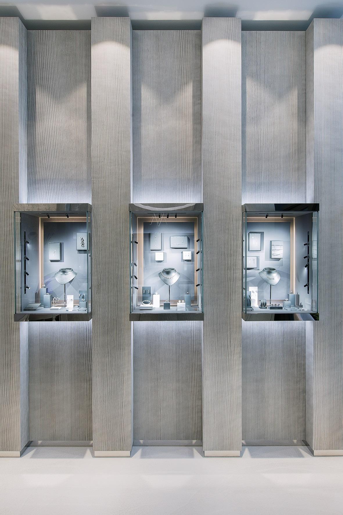vitrines produits boutique Messika Lyon