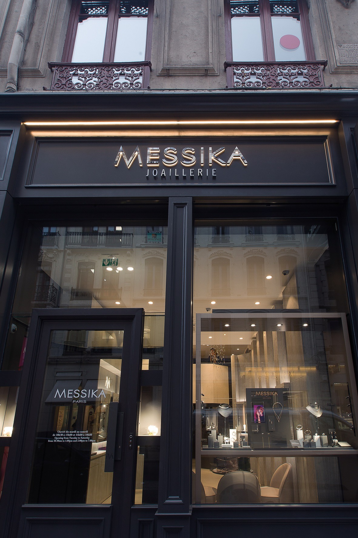 vitrine boutique Messika Lyon
