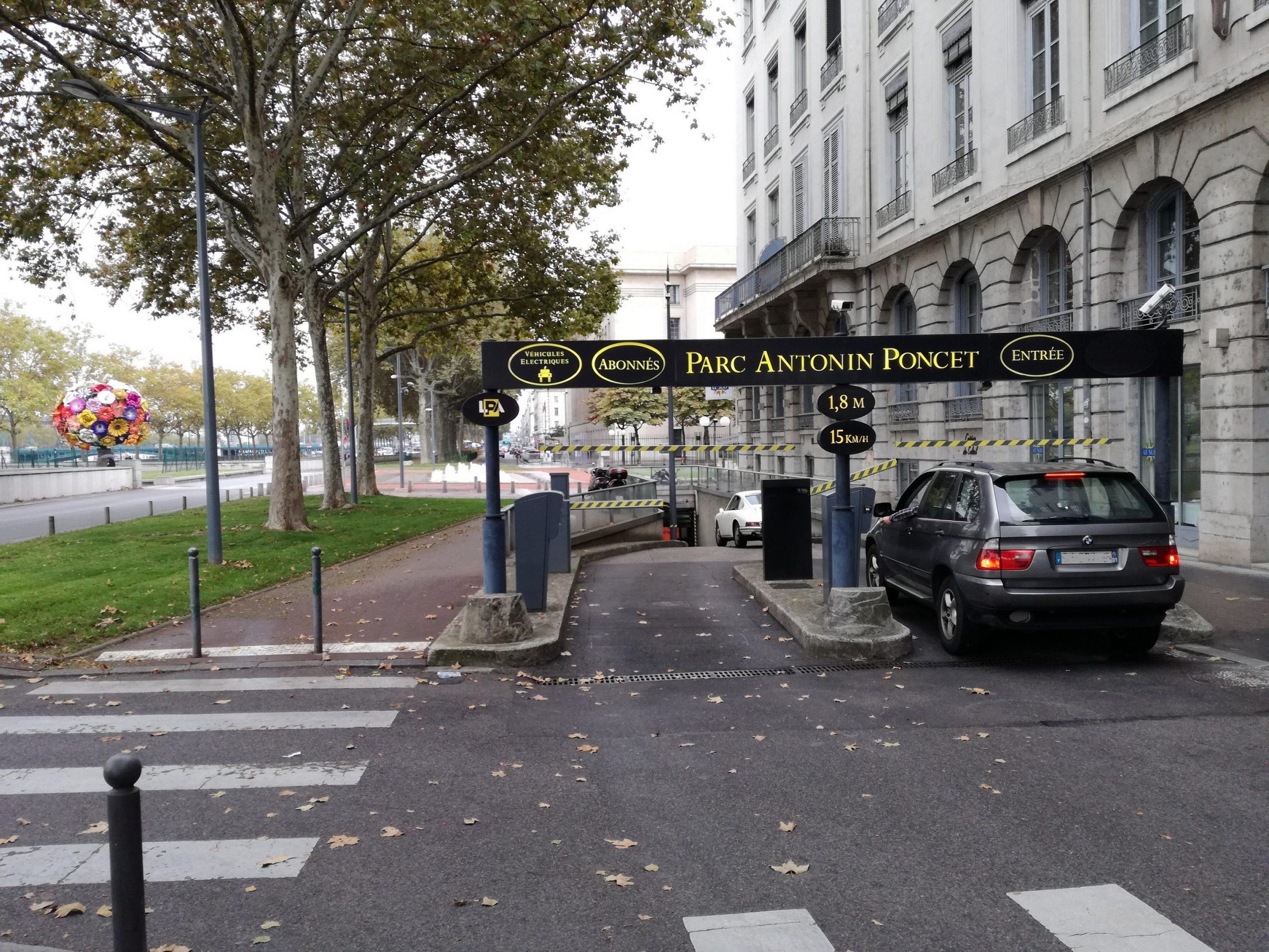Entrée Parking LPA Antonin-Poncet