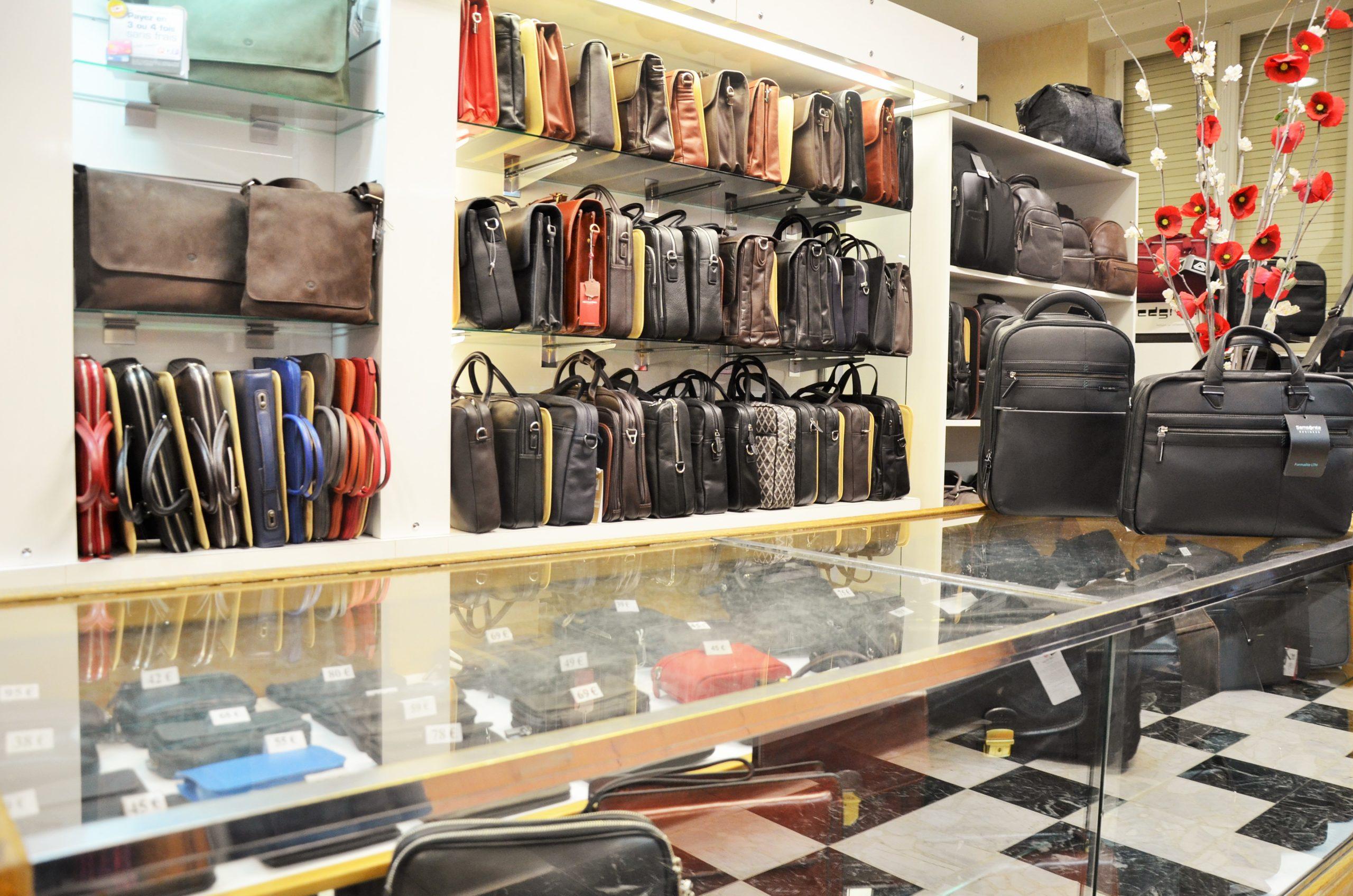 cartable-sacoches cuires Sellerie Victor Hugo boutique Lyon 2